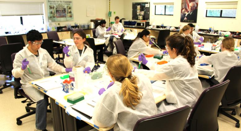 Lab offers high school students intro to biotech